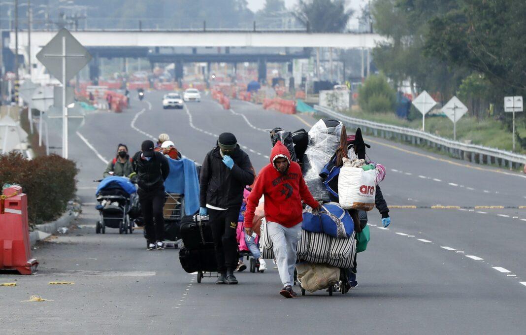 Migrantes venezolanos dejan Bogotá para regresar a Venezuela