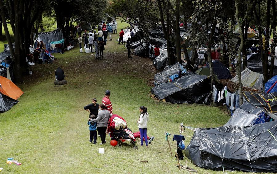 La proporción de mujeres migrantes en Suramérica es mayor a la de los hombres