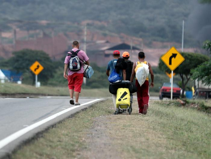 Fernando Isea volverá Perú cruzando por trochas, si es necesario.